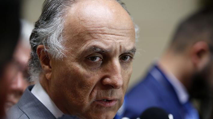 Canciller informa que hay más de tres mil chilenos que no han podido regresar en medio de emergencia del coronavirus