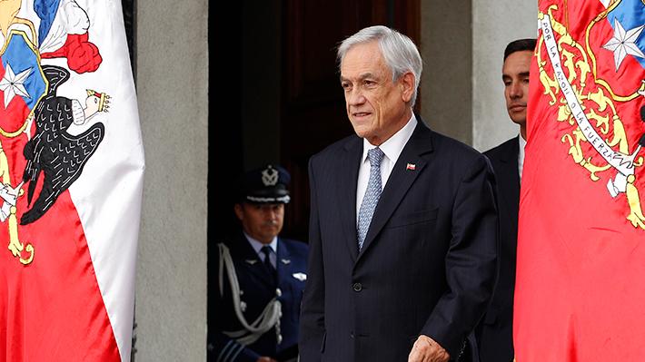 """Presidente Sebastián Piñera llama a aprobar proyecto de protección al empleo con """"extrema urgencia"""""""