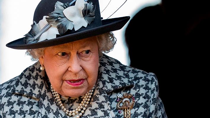 """Reina Isabel brinda emotivo discurso en medio de crisis por coronavirus: """"Si continuamos unidos y decididos lo superaremos"""""""