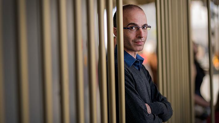 """Yuval Noah Harari y crisis por covid-19: """"Las decisiones que tomemos reconfigurarán el planeta"""""""