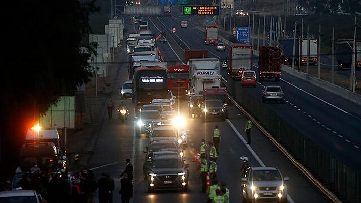 Congestión en la Ruta 5 Sur marca inicio de cordón sanitario en la Región Metropolitana