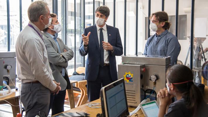 """""""Un Respiro para Chile"""", la iniciativa que busca dar solución a un eventual déficit de ventiladores mecánicos"""