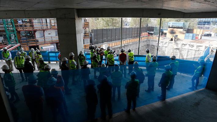 """""""Experiencia piloto controlada"""": Las Condes anuncia que abrirá un mall la próxima semana"""