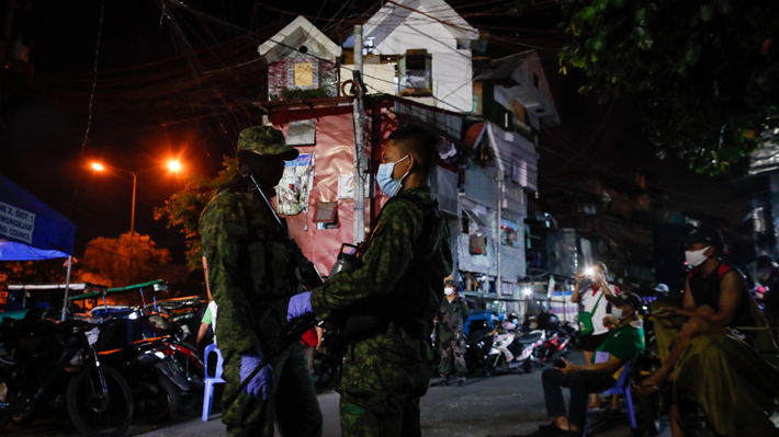 """Filipinas, el país que ordenó """"disparar a matar"""" a quienes no respeten la cuarentena por covid-19"""