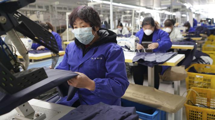 Exportaciones chinas aumentaron un 8,2% durante abril y remontan pese al impacto del coronavirus