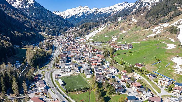 """El escandaloso """"fiasco"""" que marca a los Alpes austriacos, lugar foco del coronavirus"""