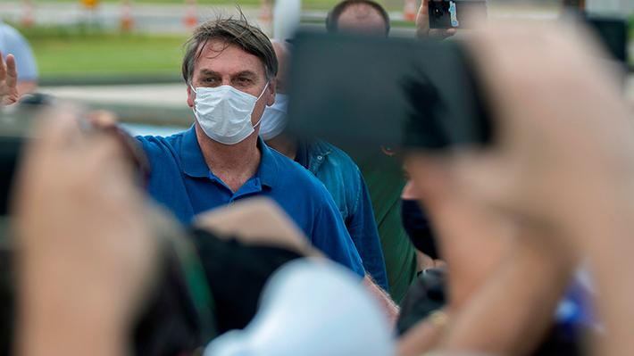 Bolsonaro vuelve a asistir a manifestación en medio de crisis por coronavirus: Fue acompañado por 11 ministros