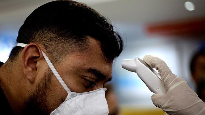 """¿Toda """"infección respiratoria"""" es coronavirus?: Los alcances de la nueva recomendación del comité asesor del Minsal"""