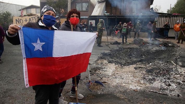 Continúan las manifestaciones: Vecinos de El Bosque y Puente Alto piden insumos y alimentos para enfrentar la pandemia