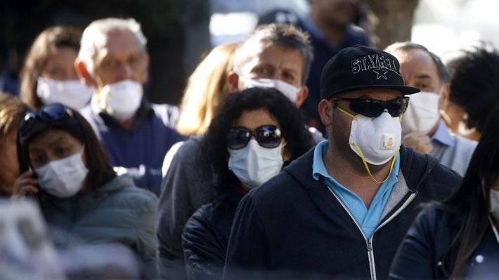 Estudio del Colmed y la U. de Chile detecta que el 15% de los casos de covid-19 sigue saliendo a trabajar