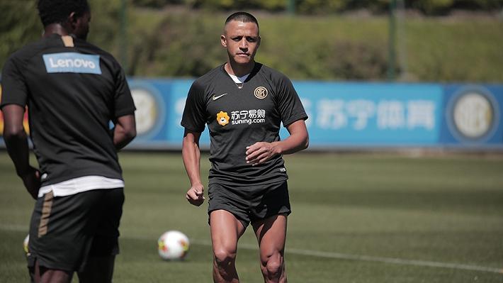 En medio de los rumores sobre su futuro, Alexis sorprendió con nuevo look en entrenamiento del Inter...Mira las imágenes