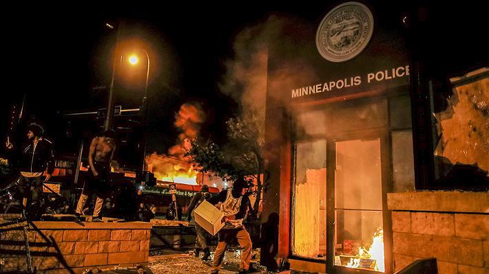 Nueva jornada de violentas protestas en todo Estados Unidos por muerte de afroamericano