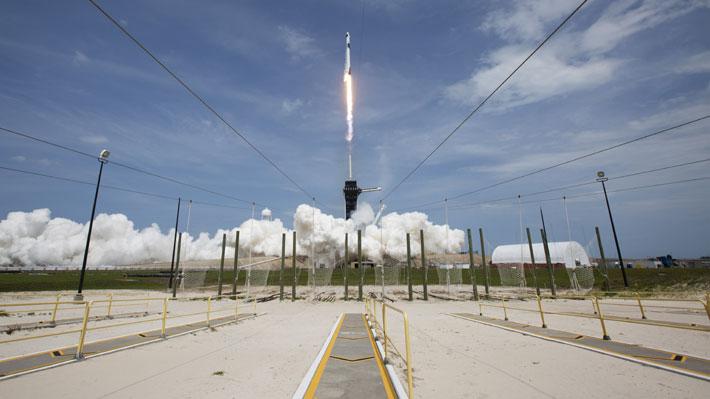 """Agencia Espacial rusa celebra lanzamiento de la Crew Dragon y anuncia que el 2021 """"reanudaremos nuestro programa lunar"""""""