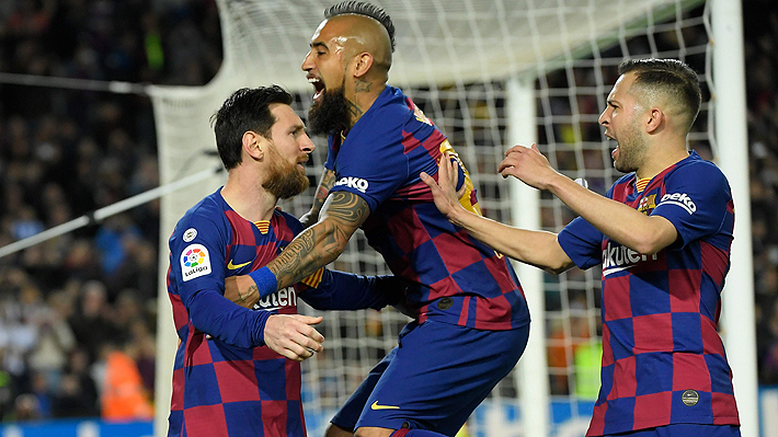 """""""El Rey de Ligas"""": Prestigioso medio español hace eco del récord por el que va Arturo Vidal"""