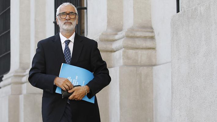 """Representante de la OMS en Chile recomienda clarificar """"rápidamente"""" debate sobre conteo de fallecidos por covid-19"""