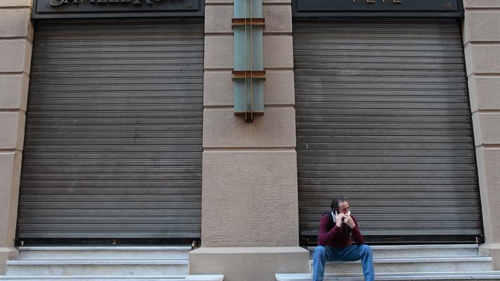 Encuesta UC: Tasa de desempleo en mayo sube hasta un 11,2% a nivel nacional por crisis sanitaria