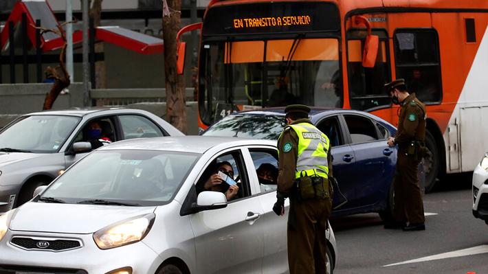 Flujo vehicular subió casi 3% en el Gran Santiago la semana pasada en medio de alza de casos por covid