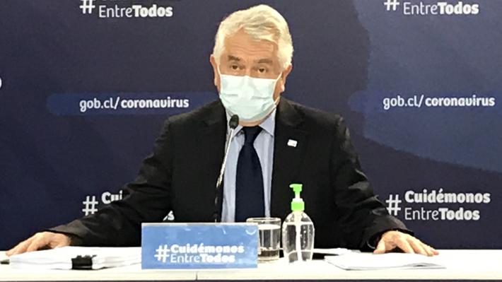 """Ministro de Salud destaca una """"leve mejoría"""" en cifras sobre control de la pandemia: """"No hay que bajar los brazos"""""""