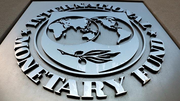 FMI aplica brusco recorte en proyección del PIB de Chile en 2020: Prevé una caída de -7,5%