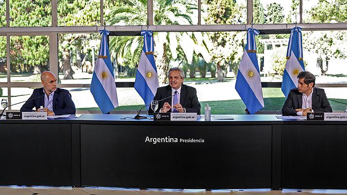 Fernández endurece cuarentena en Buenos Aires por covid-19 y vuelve a comparar situación de Argentina con Chile