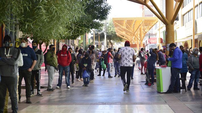 """Agreden a funcionaria del hospital de Antofagasta y alcalde de Calama dice que el aeropuerto """"es un matadero"""""""