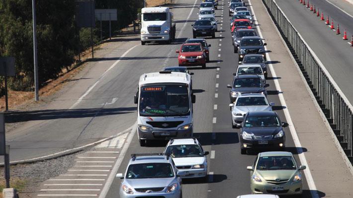 29 mil vehículos salieron este viernes desde la Región Metropolitana: 105 autos fueron devueltos