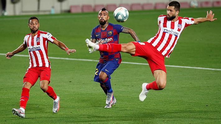 Arturo Vidal cometió un penal y estuvo cerca de anotar en nuevo empate del Barcelona que lo complica en la lucha por la Liga