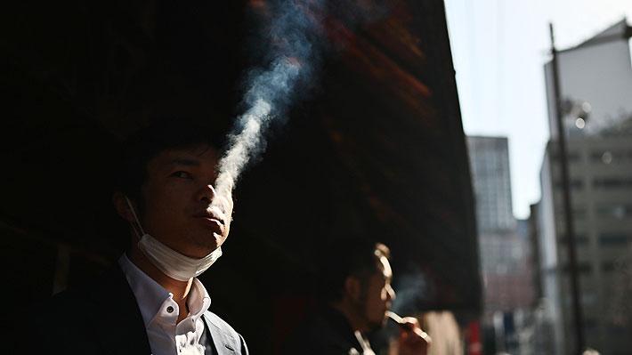 OMS advierte que fumadores tienen mayor riesgo de enfermar gravemente y morir de coronavirus