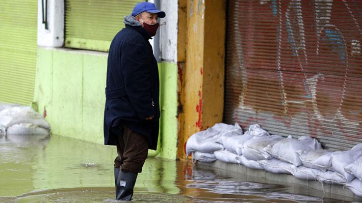 """Meteorología advierte que """"pese a lo que esté lloviendo este año y el próximo"""" no se superará la sequía que afecta a Chile"""