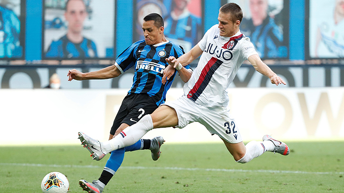 Alexis ingresó tarde en una farra del Inter ante el Bologna y tuvo dos ocasiones para convertir