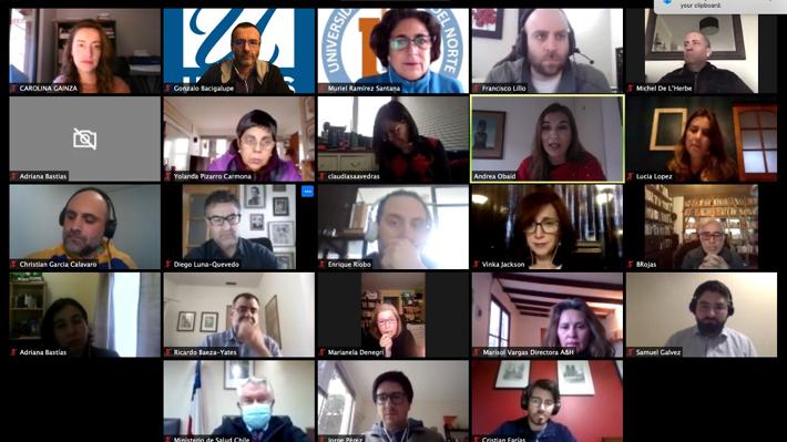 Paris se reúne con grupo de científicos que cuestionaron estrategia sanitaria de Mañalich y escucha sus propuestas
