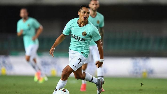 Alexis vuelve a responder como titular, pero su muy buen partido queda empañado por otra farra del Inter