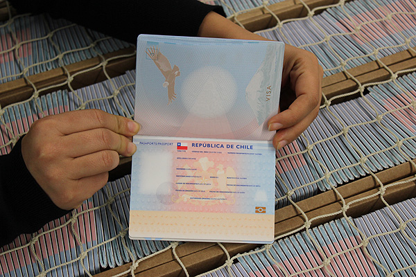 Pasaportes tendrán fuerte alza a partir de octubre: conoce sus nuevos valores