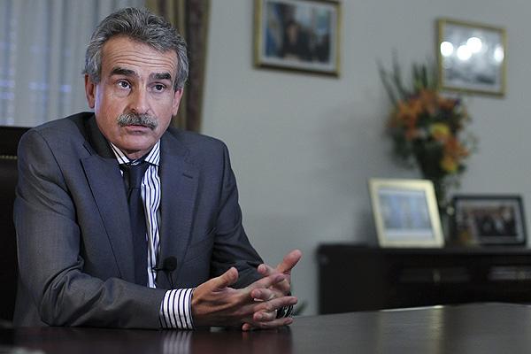 Argentina ofrece a Bolivia aviones de entrenamiento avanzado y equipo militar