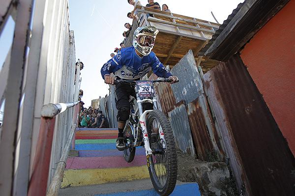 La extrema y desenfrenada prueba de mountainbike que se tomará Valparaíso