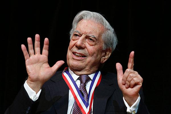 Mario Vargas Llosa recibe premio de la Biblioteca del Congreso de EE.UU.