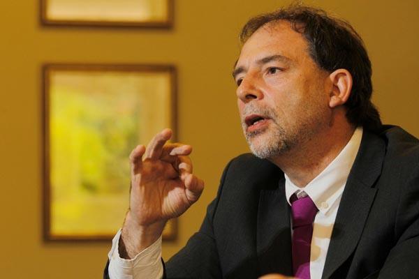 Girardi anuncia acciones penales contra Codelco por grave contaminación en Chacabuco