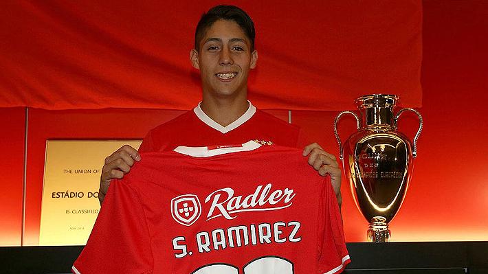 Promesa del fútbol chileno fue presentado oficialmente en el Benfica de Portugal