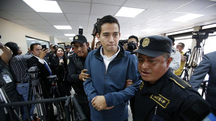 Tribunal ordena prisión para los familiares del Presidente de Guatemala