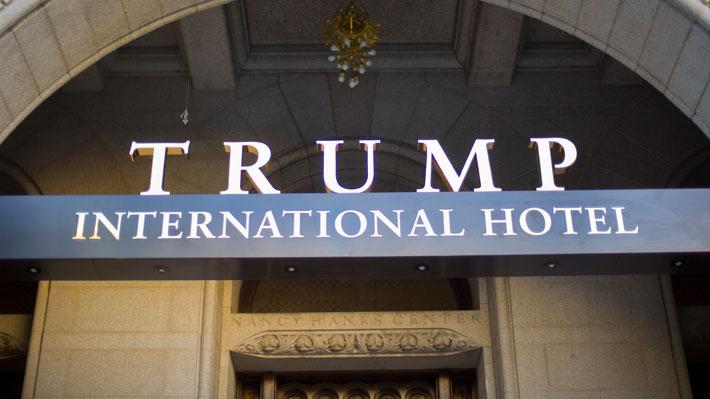 ¿En cuál te quedarías?, Los hoteles de lujo de Donald Trump