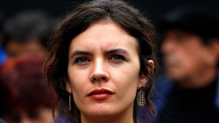 Camila Vallejo presenta proyecto de ley que busca rebajar jornada laboral de 45 a 40 horas semanales