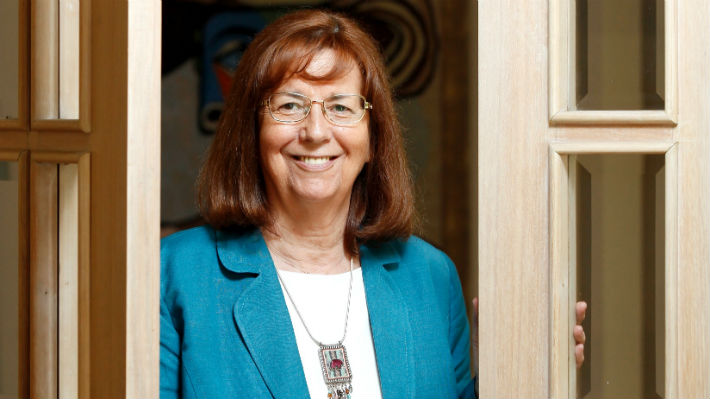 María Teresa Ruiz por su premio