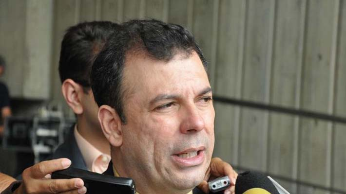 Quién es Roberto Enríquez, el dirigente opositor que pidió protección en la embajada chilena en Venezuela