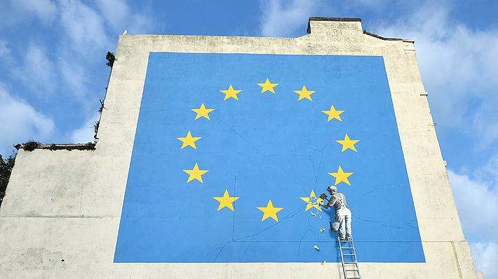 Banksy plasma su visión sobre el Brexit con mural de la Unión Europea